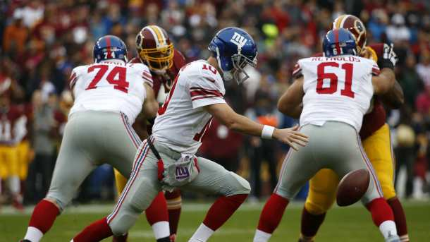 Eli Manning giants redskins nfl 2015 week 12 fumble