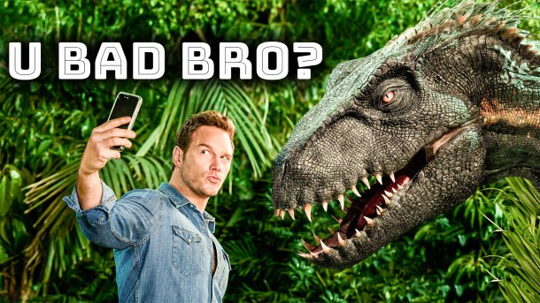 Chris Pratt taking a selfie next to the Indoraptor featured in Jurassic World Fallen Kingdom for Entertainment Weekly